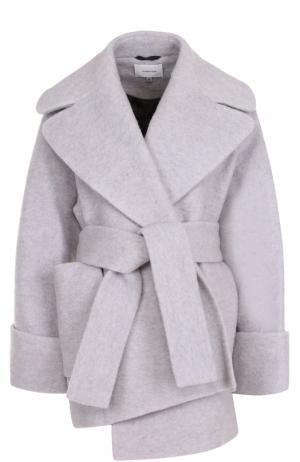 Укороченное шерстяное пальто с поясом Carven. Цвет: светло-серый