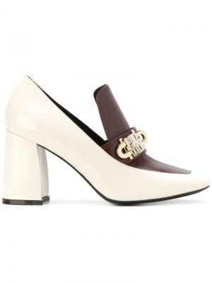 Туфли-лодочки с декоративной пряжкой Coliac. Цвет: телесный