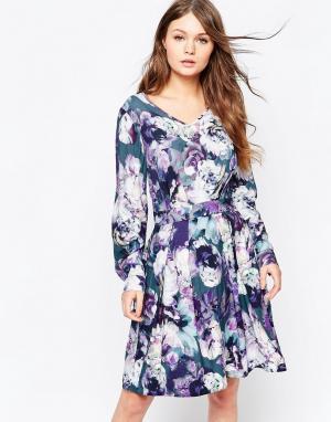 Closet London Платье с длинными рукавами и цветочным принтом. Цвет: мульти