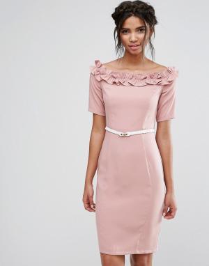 Paper Dolls Платье миди с открытыми плечами, ремнем и оборками. Цвет: розовый