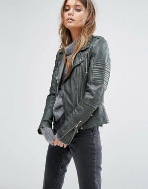 Goosecraft Кожаная байкерская куртка с эполетами. Цвет: зеленый