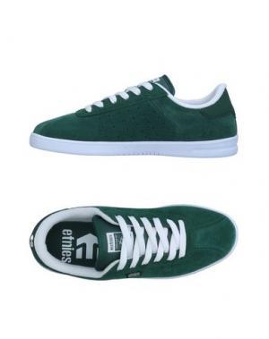 Низкие кеды и кроссовки ETNIES. Цвет: зеленый