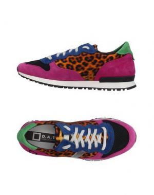 Низкие кеды и кроссовки D.A.T.E.. Цвет: пурпурный
