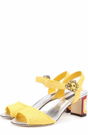 Плетеные босоножки Keira на каблуке с декором Dolce & Gabbana. Цвет: желтый