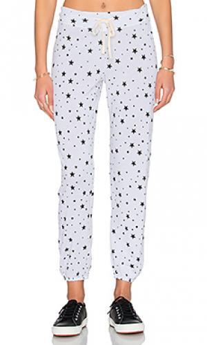 Свободные брюки black stars SUNDRY. Цвет: белый