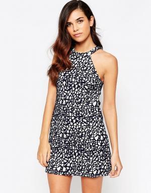 Amy Childs Кружевное цельнокройное платье Claudia. Цвет: черный