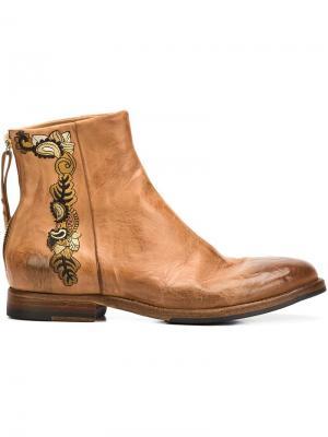 Ботинки по щиколотку с вышивкой Sartori Gold. Цвет: коричневый