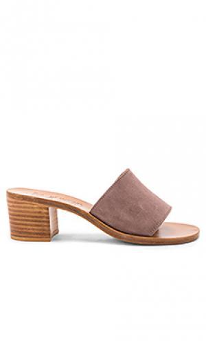 Туфли на каблуке caprika K Jacques. Цвет: коричневый