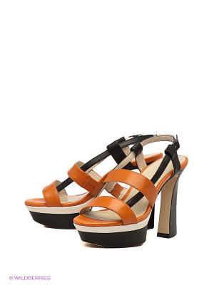 Босоножки Laura Valorosa. Цвет: черный, оранжевый
