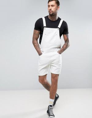 ASOS Белый джинсовый комбинезон с шортами. Цвет: белый