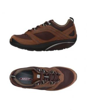 Низкие кеды и кроссовки MBT. Цвет: коричневый