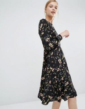 Paisie Свободное платье с цветочным принтом. Цвет: мульти
