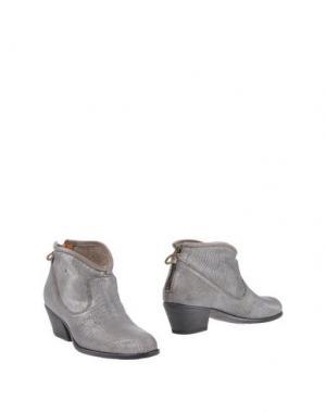 Полусапоги и высокие ботинки FIORENTINI+BAKER. Цвет: серебристый