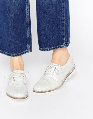 Miista Кожаные туфли на плоской подошве со шнуровкой Hayley. Цвет: белый