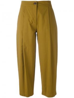 Укороченные брюки со складками Erika Cavallini. Цвет: зелёный