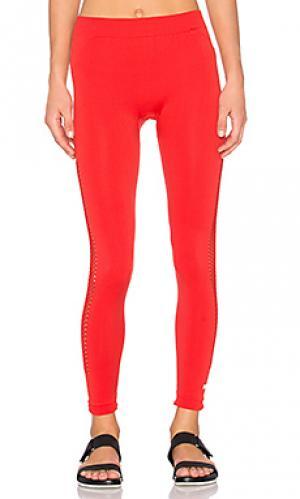Основные бесшовные сеточные колготы adidas by Stella McCartney. Цвет: красный
