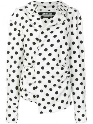 Блузка асимметричного кроя со сборками в горох Jacquemus. Цвет: белый