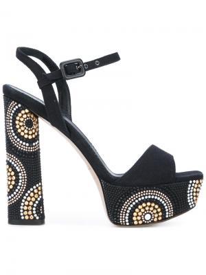 Босоножки с заклепками на устойчивом каблуке Le Silla. Цвет: чёрный
