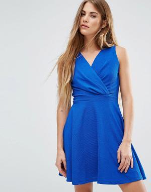 Wal G Короткое приталенное платье. Цвет: синий