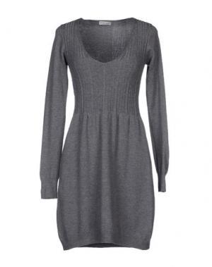 Короткое платье DANIELA FARGION. Цвет: серый
