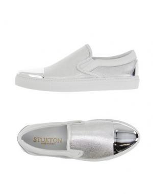 Низкие кеды и кроссовки STOKTON. Цвет: серебристый