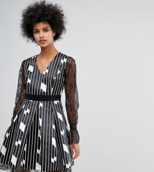 Horrockses Короткое приталенное платье с расклешенными кружевными рукавами и абст. Цвет: мульти
