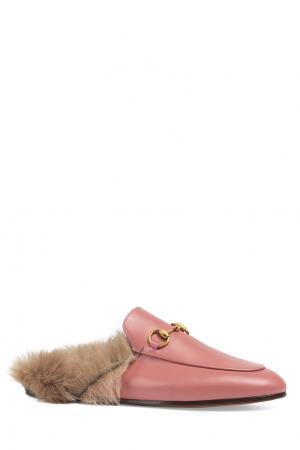 Кожаные слиперы с мехом Gucci. Цвет: розовый
