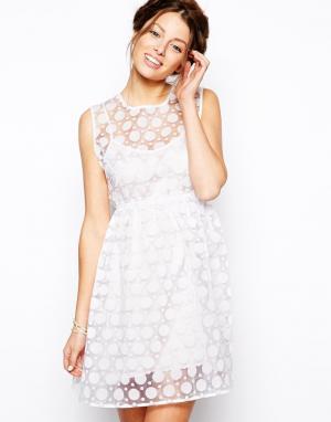 Little White Lies Двухслойное платье из органзы в горошек. Цвет: белый
