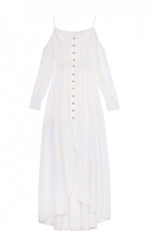 Приталенное платье-макси с открытыми плечами Balmain. Цвет: белый