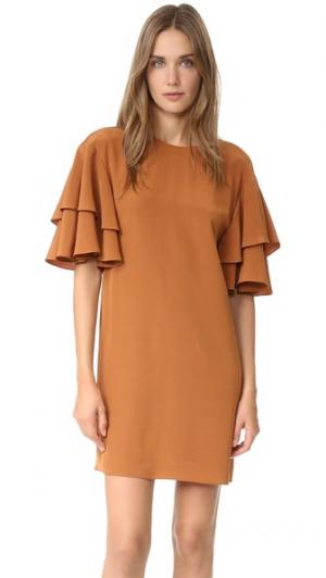 Свободное платье с оборчатыми рукавами Tibi. Цвет: янтарный коричневый
