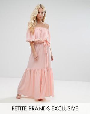 John Zack Petite Платье макси с открытыми плечами, 3D-розами и шлейфом. Цвет: розовый