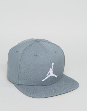 Jordan Серая бейсболка Nike Jumpman 619359-067. Цвет: серый