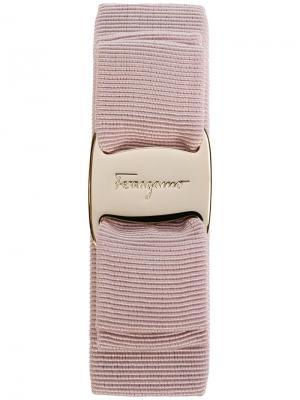 Заколка для волос с логотипом Salvatore Ferragamo. Цвет: телесный