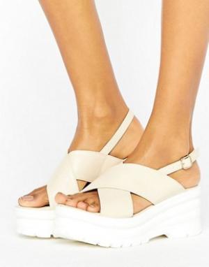 Raid Массивные сандалии с перекрестными ремешками Oscar. Цвет: бежевый