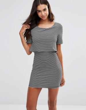 Unique 21 Платье в полоску с верхним слоем. Цвет: черный
