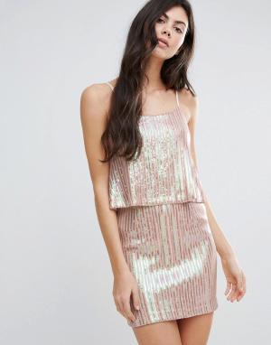 Endless Rose Плиссированное платье металлик с накладкой. Цвет: розовый