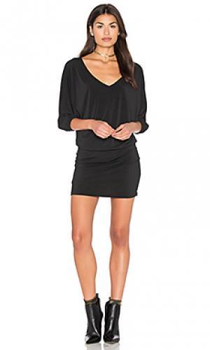 Платье с двойным v-образным вырезом и рукавами-доломан Bishop + Young. Цвет: черный