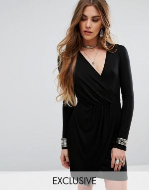 Rokoko Облегающее платье с запахом спереди. Цвет: черный