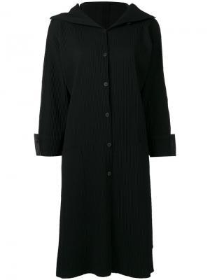 Однобортное пальто в рубчик Issey Miyake Cauliflower. Цвет: чёрный