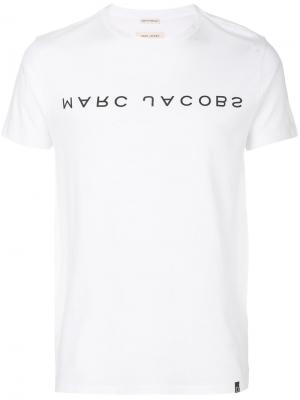 Футболка с перевернутым логотипом Marc Jacobs. Цвет: белый