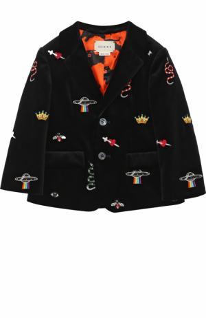 Бархатный пиджак с вышивкой Gucci. Цвет: черный
