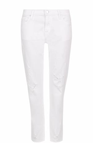 Укороченные джинсы с потертостями J Brand. Цвет: белый