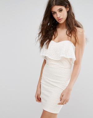 Miss Selfridge Кружевное платье-бандо мини. Цвет: белый