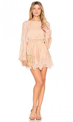 Платье noelle LoveShackFancy. Цвет: peach