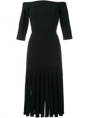 Платье с открытыми плечами и бахромой Tata Naka. Цвет: чёрный