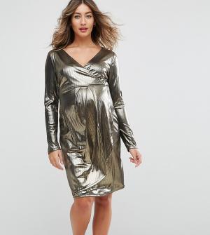 New Look Maternity Блестящее платье с запахом для беременных. Цвет: золотой