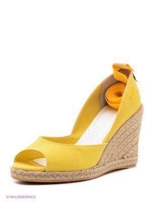 Босоножки GANT. Цвет: желтый