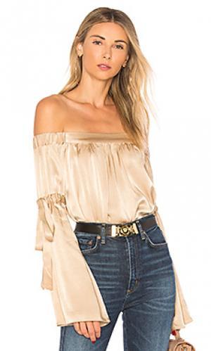 Блуза с открытыми плечами delia LAcademie L'Academie. Цвет: кремовый