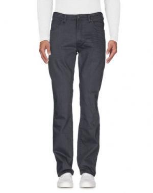 Джинсовые брюки WRANGLER. Цвет: свинцово-серый