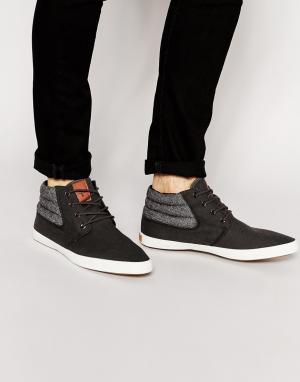 Ones + Twos Chukka Boots in Charcoal With Herringbone. Цвет: серый